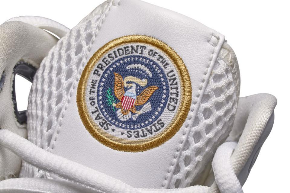 Кроссовки Nike для Барака Обамы стоят 25000 долларов на Sotheby's 1 Текст Песни | song-lyric.ru